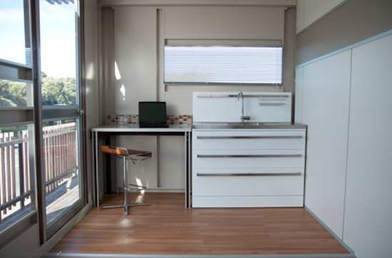 modern-shipping-container-home-3